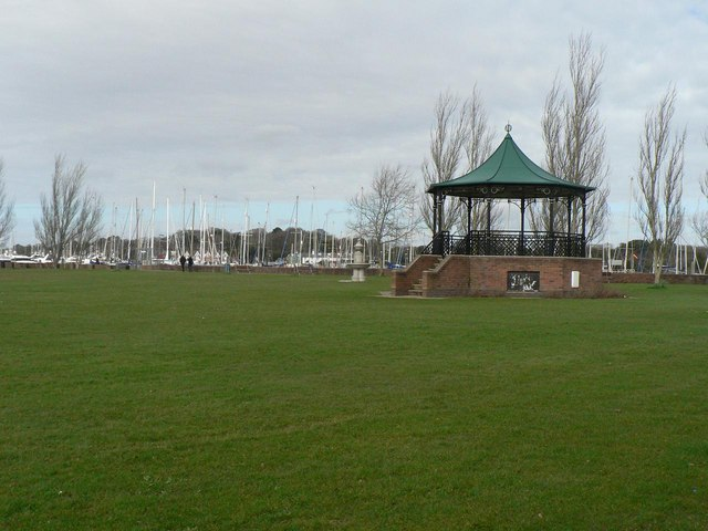 Lymington: Bath Road Recreation Ground bandstand