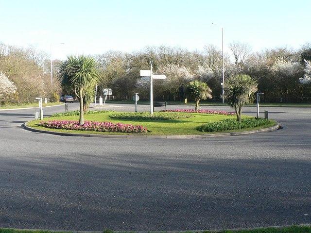 Highcliffe: Milestone Roundabout