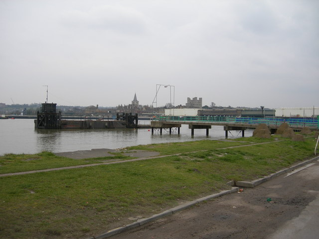 Pier off Canal Road, Strood