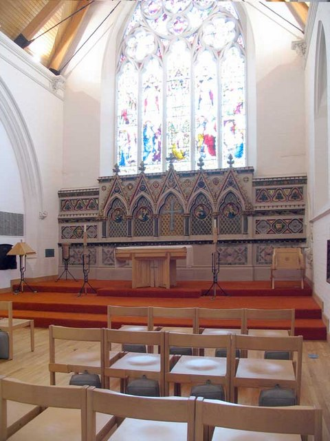 St Paul, St Paul's Road, Brentford, Mx TW8 - Victorian Chancel