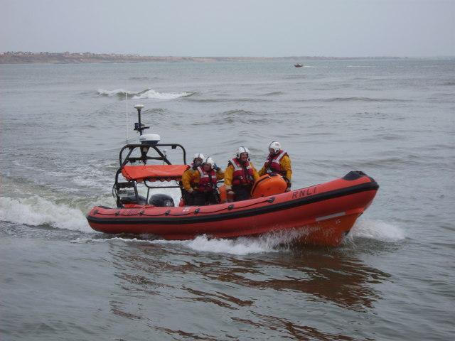 Returning lifeboat