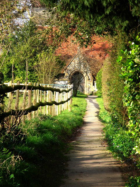 Path from the carpark to the church, Apuldram