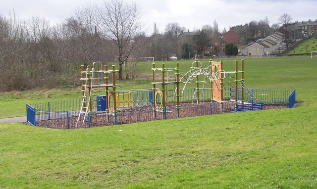 Play Area - Wakefield Road, Earlsheaton