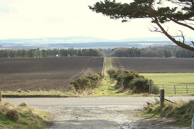 Across the road to lane leading to Gordonstoun