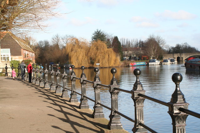 Thames riverside at Abingdon