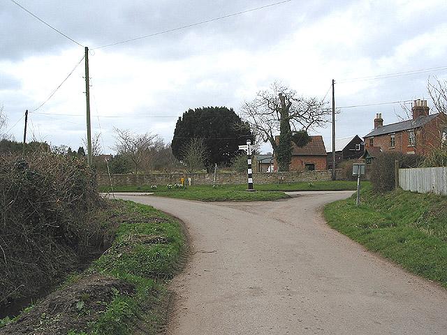 Grade II listed signpost, Ashleworth