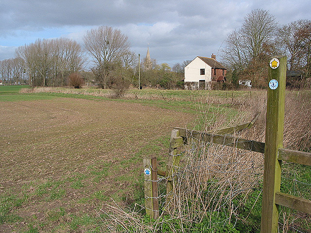 Waymarkers on the bridleway