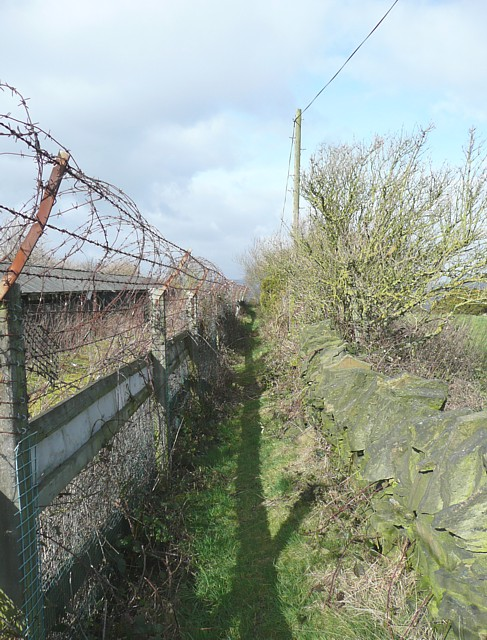 Footpath past the former mink farm, Fixby
