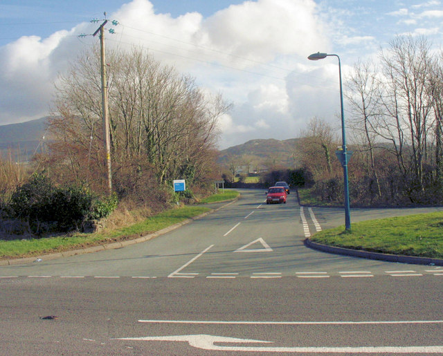 The road from Deiniolen meeting the A4244 at Groeslon Racca Crossroads