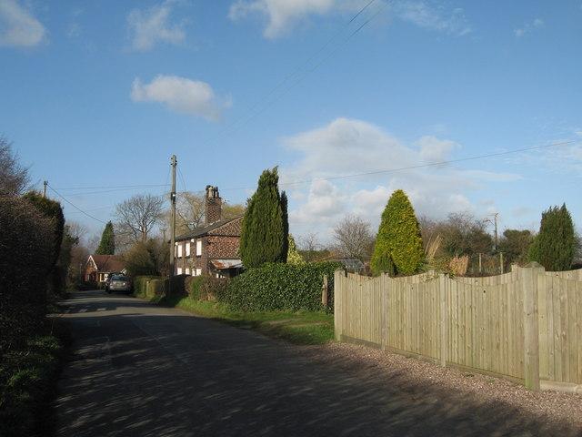 Moss Lane, Moore