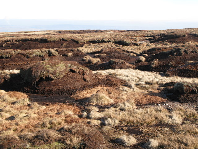 Peat haggs on Chapelfell Top (2)