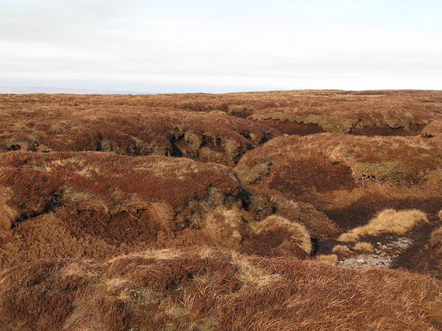 Peat haggs west of Chapelfell Top