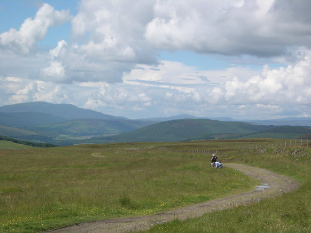 Track from Loch Moraig to Carn Liath