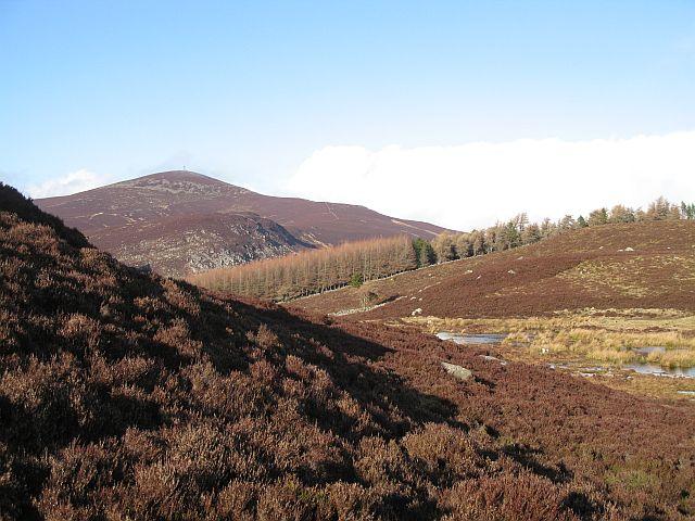 Marshy lochan beneath Meall Mòr