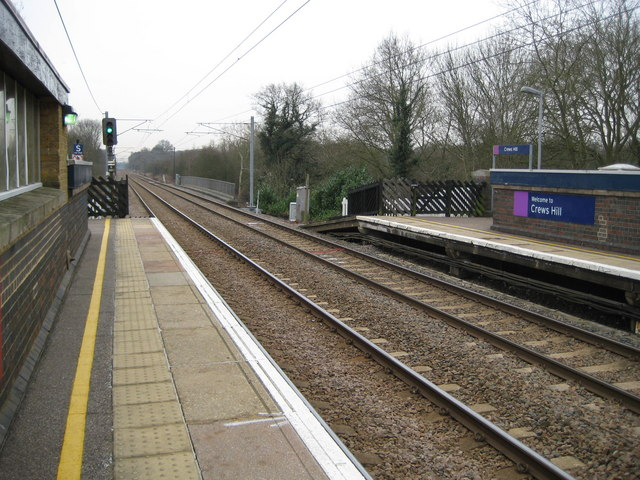 Crews Hill railway station (2)