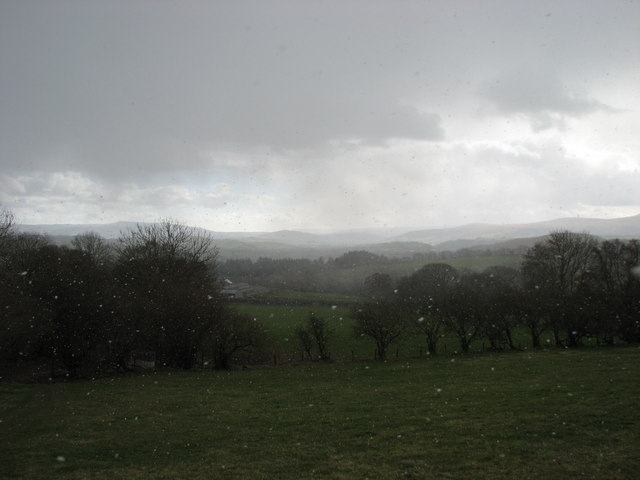 Overlooking Llwyncelyn Farm in snow