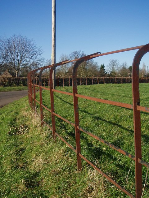 Cheshire Railings on a bend in Lutton