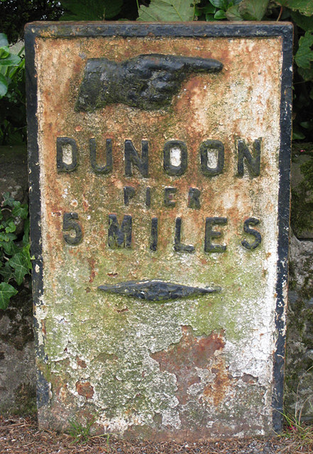 Milepost in Innellan