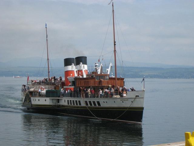 """Waverley"" arriving at Dunoon Pier"