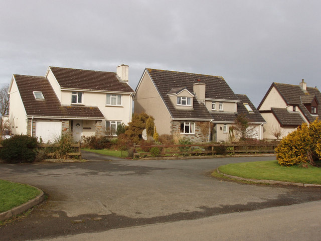 Houses in Week Green