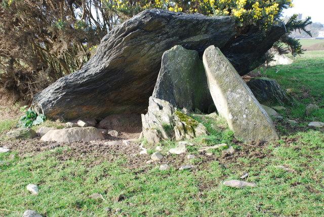 Cromlech Caer-dyni Burial Chamber