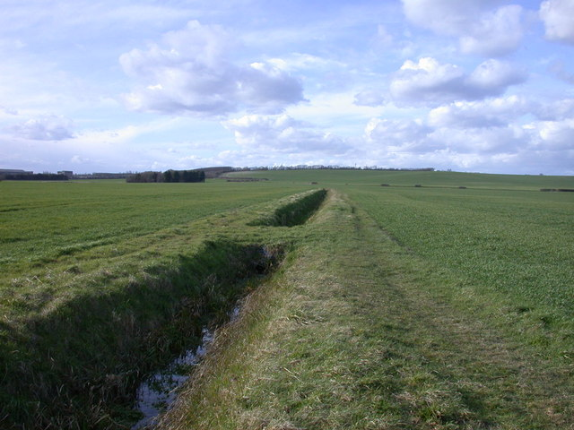 Footpath to Barrington, with ditch