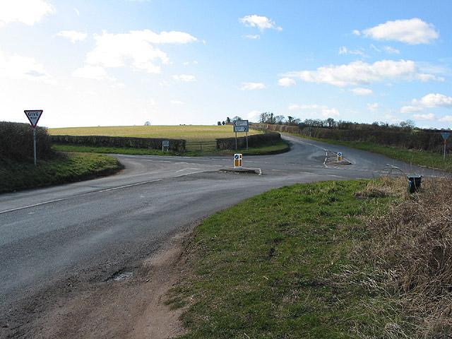 B4521 crosses A466