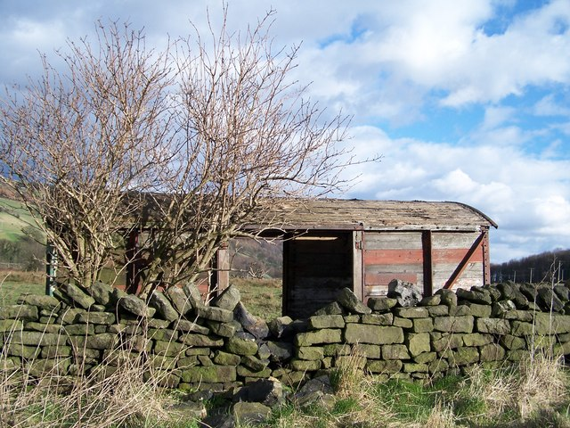 'Old' Railway Carriage on Mill Lee Road, Low Bradfield