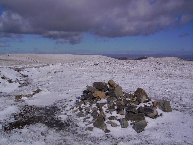 Summit Cairn, Calders