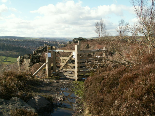 A new gate on Wharncliffe Crag edge path
