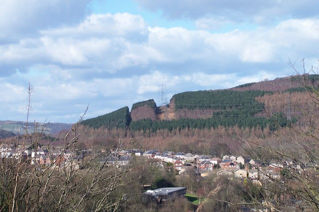 View over Crag View Crescent, Oughtibridge to Wharncliffe Woods