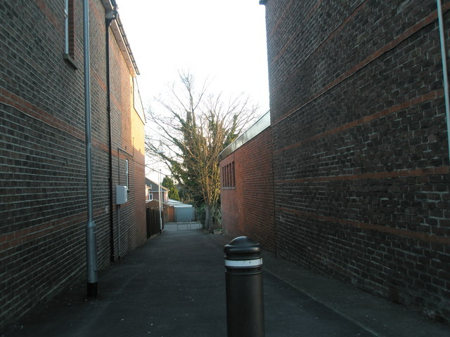 Alleyway from Havant Road to Aldsworth Close