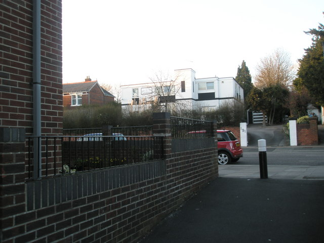 Art deco house from the alleyway