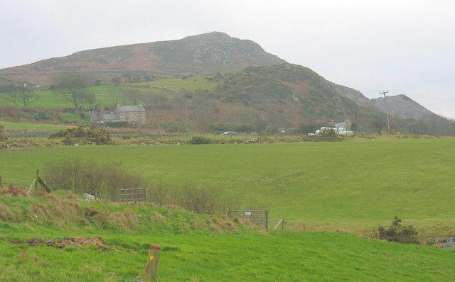 Cottages in the shadow of Y Gwylwyr hill