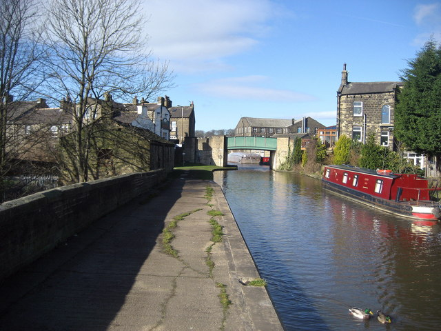 Canal approaching Silsden Bridge
