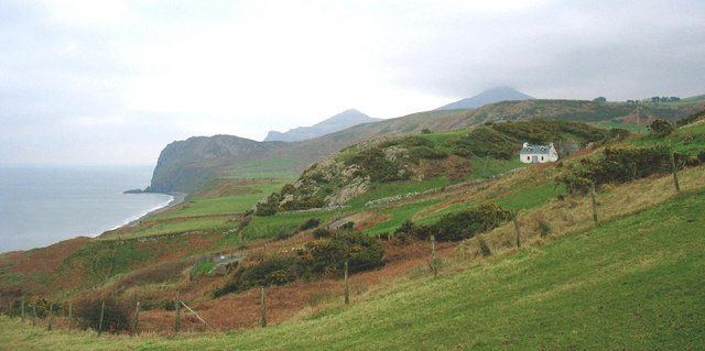 View NE along the cliff tops from near Carreg-y-ddinas cottage
