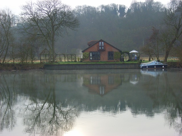 Riverside property, Cookham