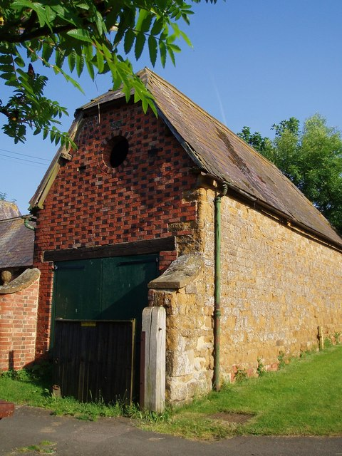 Distinctive brickwork on a barn in Claydon
