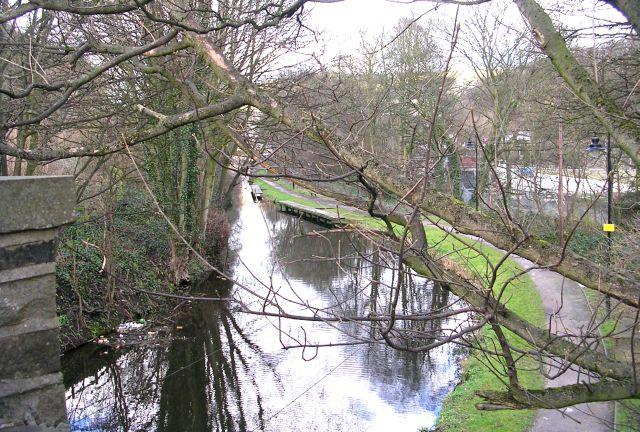 Calder & Hebble Navigation - viewed from Wakefield Road