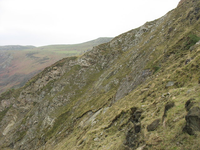 Cliffs east of Carreg-y-Llam Quarry