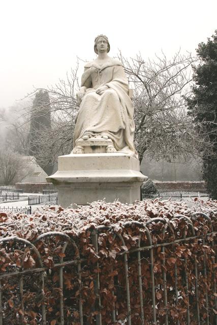 Cool Queen Victoria, Pearson Park, Hull