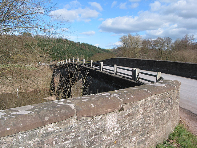 B4521 crosses Skenfrith Bridge