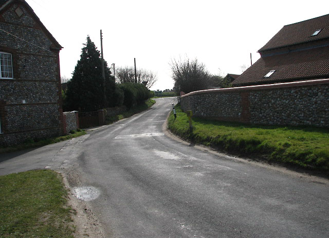 Approaching junction with the A140