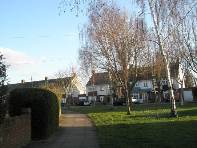 Small green in Kinross Crescent