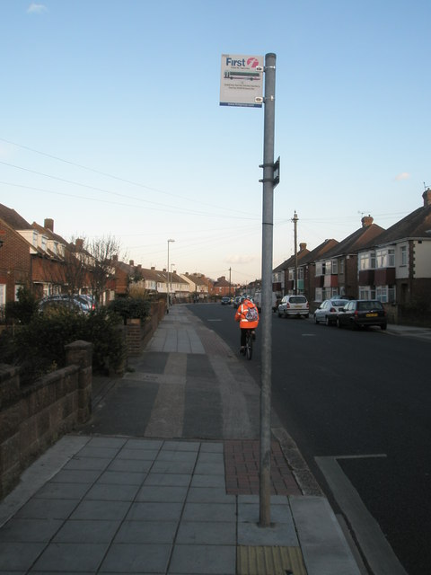 Lone cyclist in Old Manor Way