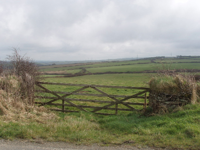 Gate and fields by Pensilva