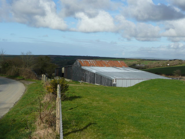 Barn on the eastern edge of Trelow Downs