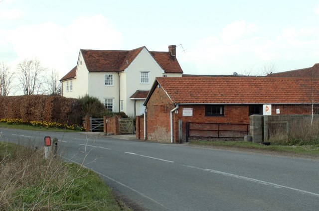 A view of Stubbers Farm from Mountnessing Road