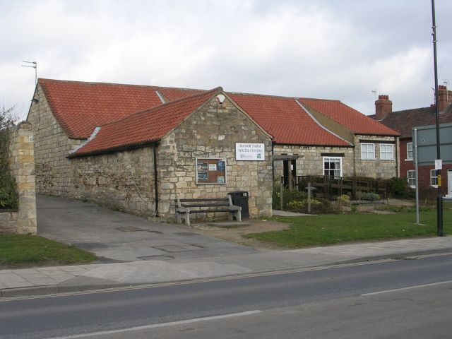 Manor Farm Youth Centre - Leeds Road