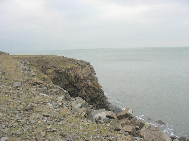 Sea cliff at Penrhyn Glas